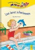 Lea lernt schwimmen