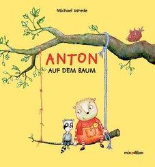Anton auf dem Baum