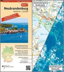 Topographische Karte und Satellitenbildkarte Neubrandenburg