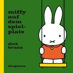 Miffy auf dem Spielplatz