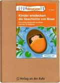 Kinder entdecken die Geschichte von Mose