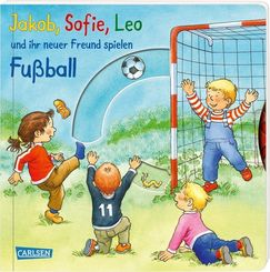 Jakob, Sofie, Leo und ihr neuer Freund spielen Fußball